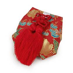 (加藤)KATO 519-0167  宮詣 お守り 鶴 赤 中国製