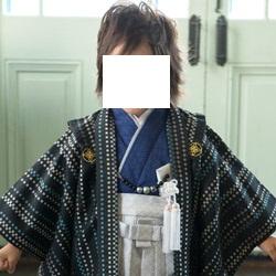 (加藤)KATO 527-6003  男児羽織袴セット ポリ 黒地市松マルチ・群青 一体型 3才 中国製