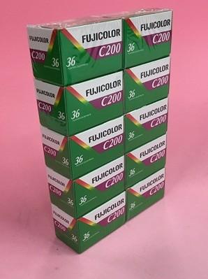 (フジフイルム)FUJICOLOR カラーネガフィルム C200-135 36枚撮り 英文パッケージ[海外輸入]